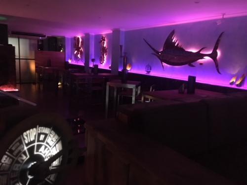 Maha Lounge Innen Abend